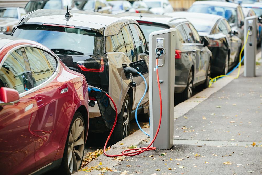 Epoca vehiculelor electrice bate la ușă, cum ne putem pregăti pentru ea?
