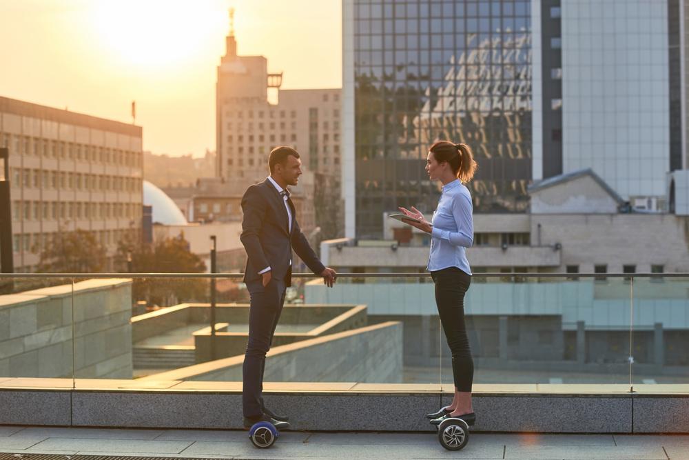 Cum te pot ajuta vehiculele electrice să-ți deschizi o afacere personală de succes: 3 soluții pe 2 roți