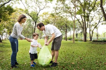 5 moduri in care iti poti invata copilul sa respecte mediul inconjurator