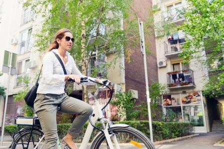 Bicicleta electrica vs. bicicleta clasica: diferenta despre care nimeni nu vorbeste