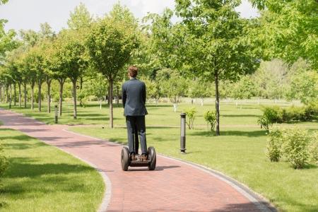 Cele mai practice vehicule electrice pe care le poti oferi angajatilor tai