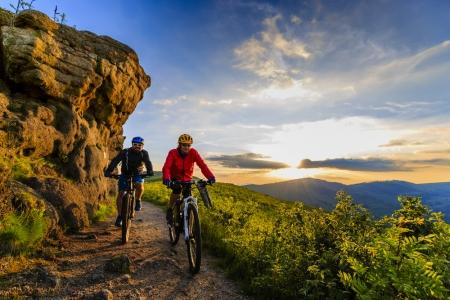 Top 10 cele mai frumoase trasee de parcurs cu bicicleta din lume