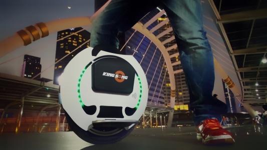 Doua mijloace de transport personal futuriste pe care le poti avea acum